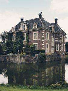 De eerste indruk van kastelen en een cadeau - La Touche Magique