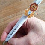 Een pen met custom made clip voor Dex de Dialeeuw - La Touche Magique
