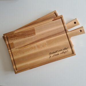 Een serveerplank met gravure als dankjewel cadeau voor Honda-collega's - La Touche Magique